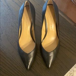 Banana republic leather black pointed toe heels 6
